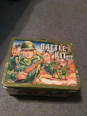 L@@K Metal Army Soldiers Battle Kit Lunchbox 1960s King Seeley