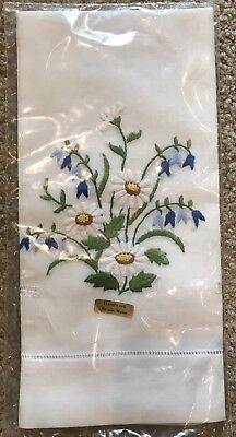 Vintage Embroidered Daisy & Bell Flowers Cotton Blend Hand Guest Towel NIP