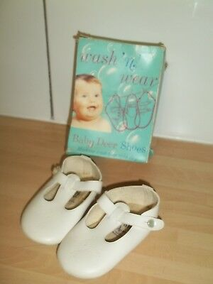 1970s baby shoes wash n wear baby deer shoes in box