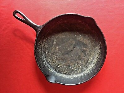 """Vintage 10"""" Cast Iron Skillet Stamped """"8"""" and """"R"""""""