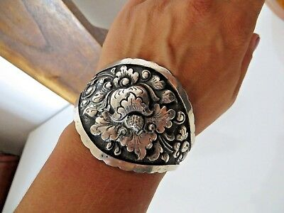 IMPORTANT BRACELET MANCHETTE EN ARGENT 800, Sterling bangle