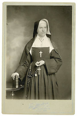 Catholic Nun Rosary Beads Habint Terre Haute In Cabinet Card Photo