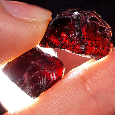 19.7Ct 100% Natural Blood Red Garnet Rhodolite Facet Rough Specimen YHE1694