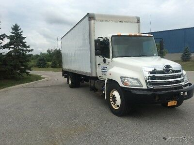 Penske Used Trucks - unit # 630136 - 2013 Hino 268