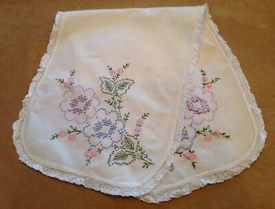 Vintage Dresser Scarf, Cotton, Flowers And Leaves, Embroidery, WhiteLace Edge