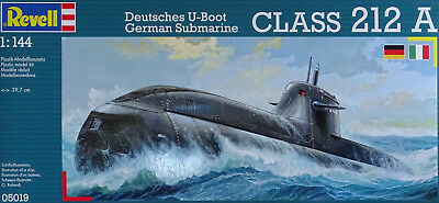 REVELL® 05019 German Submarine Class 212A in 1:144