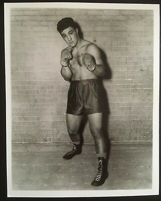 Wonderful Photograph The Legendary Heavyweight Champion Rocky Marciano In Pose!!