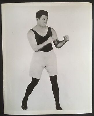Great Photograph Of The Legendary Heavyweight Champion Gene Tunney In Pose!!
