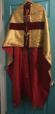 Stunning Vintage Catholic Priests Gold Brocade & Red Humeral Veil Vestment