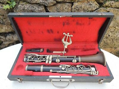 "RARE VINTAGE French Bb Wood CLARINET "" COUESNON Paris "" for part or repaire"