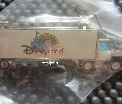 Disney DLR Cast Disney Truck with FAB 6 Hinged Pin