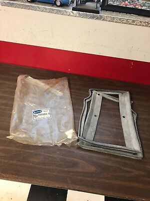 1935 1936 Ford Floor Board Seal Lh & Rh Nors 818