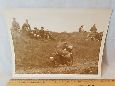 Orig 1930 Motorcycle Race Press Photo England No. 9 Climbing Devils Horror NR