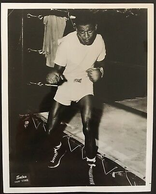 Lovely Photograph 'Pound For Pound' The Greatest Sugar Ray Robinson In Pose!!
