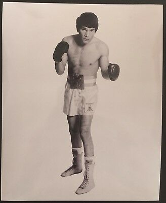 Lovely Photograph Of The Legendary Middleweight Champion Carlos Monzon In Pose!!