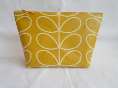 Handmade Large Make Up Toiletry Bag - Dandelion Linear Stem Oilcloth