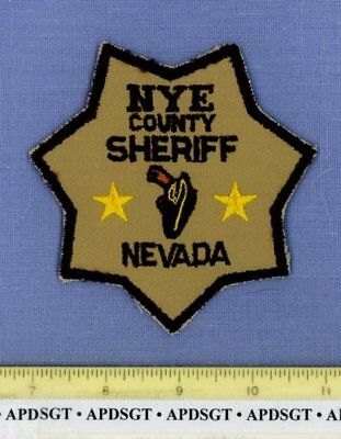 NYE COUNTY (Old Vintage Genuine) NEVADA Sheriff Police Patch GUN IN HOLSTER