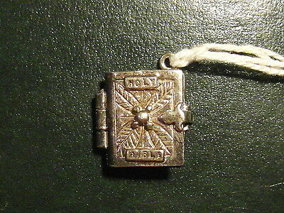 7A Solid Silver Holy Bible Charm Which Opens To Reveal Pages