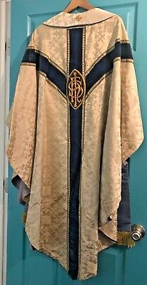 Gorgeous Vintage Catholic Priests Ivory Brocade Blue & Gold Chasuble & Stole