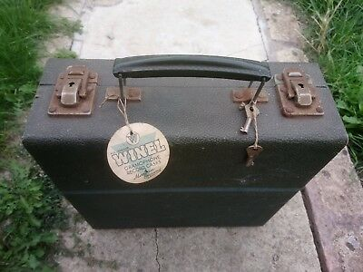 Vintage WINEL gramophone record  case LOCKABLE WITH KEYS
