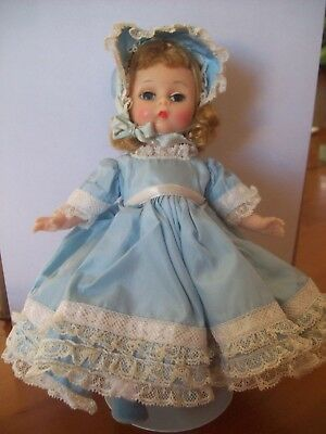 """Vintage Madame Alexander  """"southern Belle""""  Bkw 8"""" Doll With Stand"""