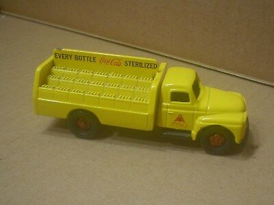 Coca Cola Die cast 1954 International Delivery Truck ~ Nostalgic Miniatures 1982