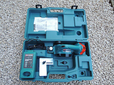 MAKITA Planer electric 12 V 1050D + battery Charger DC1414 suitcase tool rare