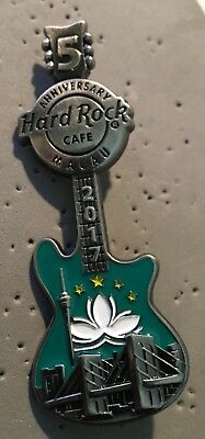 Hard Rock Cafe *MACAU, TAIPA* 5TH ANNIVERSARY 3D GUITAR PIN BRIDGE FLAG LIM ED