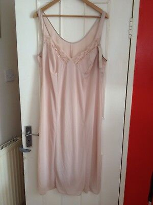 Ladies Full Slip Size 22 -
