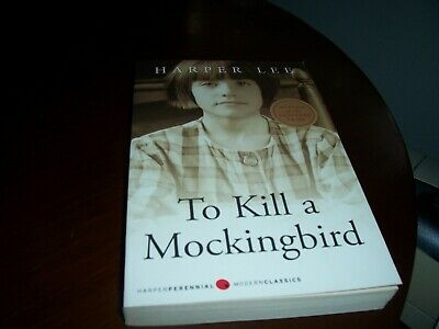 To Kill a Mockingbird  by Harper Lee (Paperback 2005  9780060935467