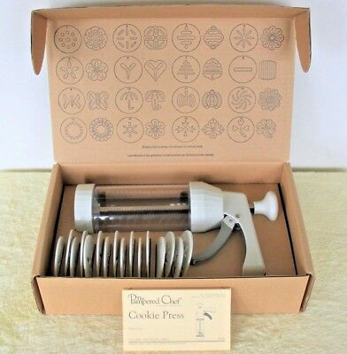 Pampered Chef Cookie Press #1525 Pastry Biscuits 16 Disks Retired w/Orig Box