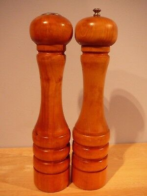 Vtg Baribocraft Baribo-Maid Canada Wood Salt Shaker & Pepper Mill Grinder