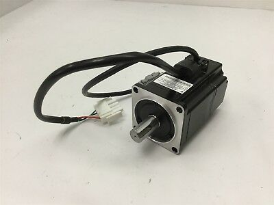 Yaskawa SGMAH-02BAF41 AC Servo Motor, Shaft: 14mm, Voltage: 100V, Speed: 3000RPM