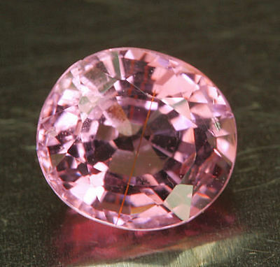 SPINELL / SPINEL        klasse  Farbe      0,95 ct