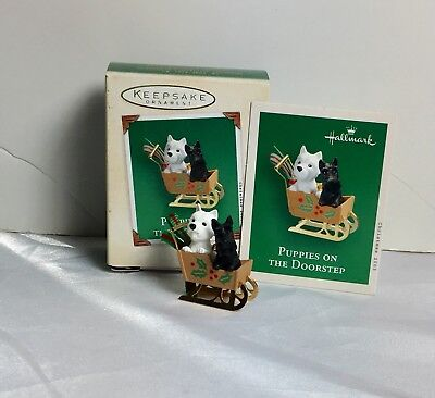 Hallmark Miniature Ornament 2003 Puppies On The Doorstep Scottie Dog