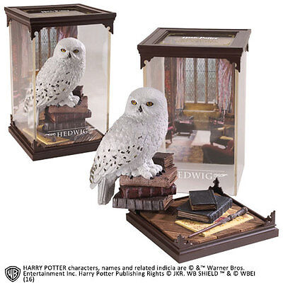 Noble Collection  Harry Potter Magical Creatures Statue Hedwig  18,5  cm