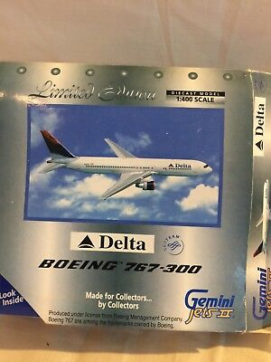 Gemini Jets Delta Airlines Boeing 767 -300 Jet 1:400 scale Metal Model