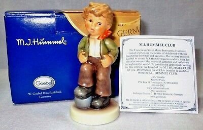 Hummel Goebel Germany LET'S PLAY Boy & Ball TMK 8 + Box MINT