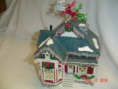 Dept 56 Snow Village 2006 The Tinsel And Garland House #56.55609 W/Lights