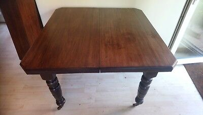 Antique Extendable Leaf Table Seats 6