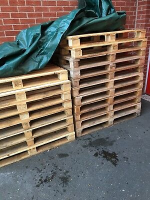 19 wooden euro pallets,stamped, excellent condition, dry and solid, 1200 x 800