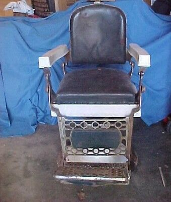 "Antique Eugene Berninghaus ""Hercules"" Barber Chair Cincinnati Ohio"