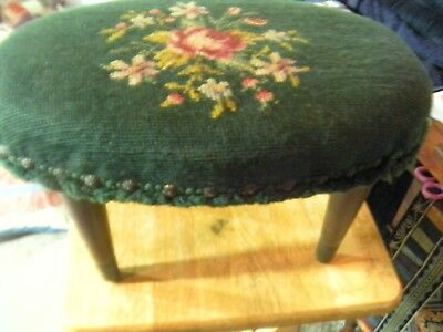 VINTAGE antique SMALL TAPESTRY NEEDLE POINT FOOT STOOL  Green victorian rose