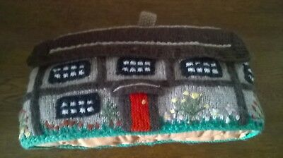 Vintage Hand Knitted Thatched Cottage Design Tea Pot Cosy