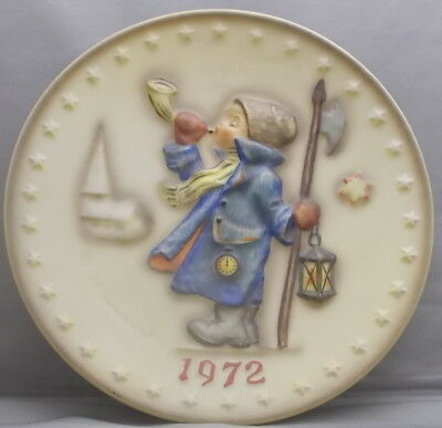 M. J. Hummel  2 ND Annual Plate 1972 Hand Painted West Germany                tk