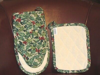Longaberger American Holly 2pc Hot Pad Set - Oven Mitt & Pot Holder- New