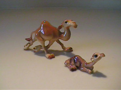 Vintage Miniature Hagen Renaker Mama And Baby Camels