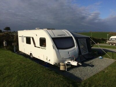 2012 Swift Freestyle S6 Caravan with fixed bunk beds, motormover, 6 berth