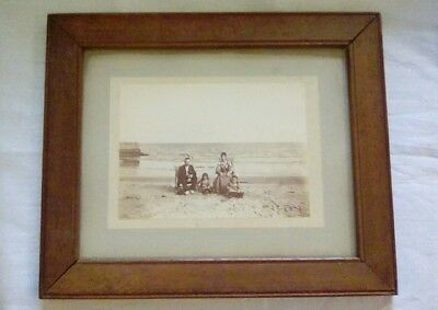 1005 Vintage Family Photo (Black and White) in Frame