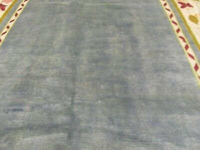 A SUPERB OLD HANDMADE CHINESE WOOL ON WOOL ORIENTAL RUG (281 x 165 cm)